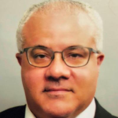 Dr. Fernando Amado Aymoré